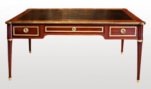 A Louis XVI ormolu-mounted mahogany Bureau Plat by Georges Kintz - Furniture Style Louis XVI