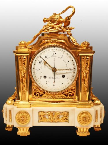 A Louis XVI ormolu and marble Mantel  Clock by Le Cœur à Paris - Louis XVI