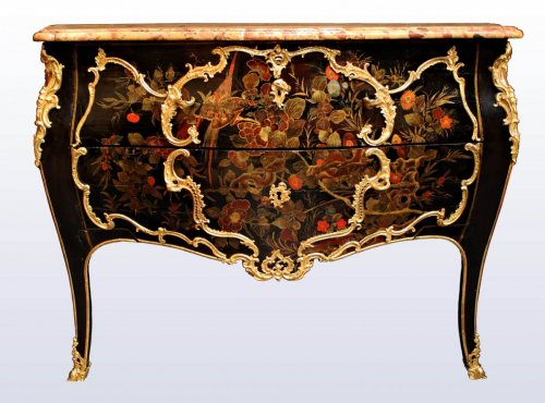 Furniture  -  Fine Louis XV European lacquer Commode attributed to Mathieu Criaerd