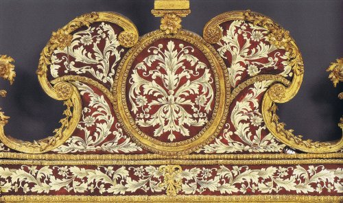 A Charles XII glass-gilded 'Miroir à fronton' by Gustav Precht - Mirrors, Trumeau Style