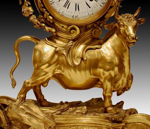 18th century - A Louis XV ormolu-bronze Mantel Clock  representing the Rape of Europa