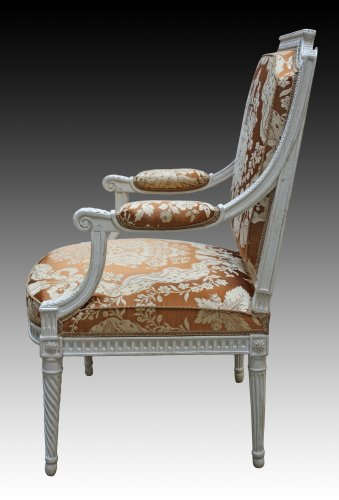 Seating  -  A set of four Louis XVI 'à la Reine' Armchairs