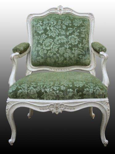 A set of four Louis XV Fauteuils à la Reine - Seating Style Louis XV