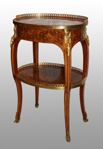 18th century - A Transitional Louis XV / Louis XVI  Table en Chiffonnière