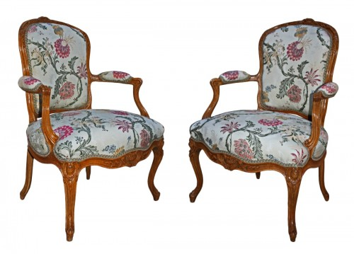 "A pair of Louis XV Fauteuils ""en Cabriolet"" by Pierre Rémy"