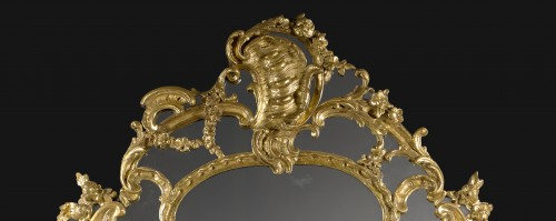 "A Regence / Louis XV carved and giltwood Mirror ""aux Chimères"" - Mirrors, Trumeau Style French Regence"