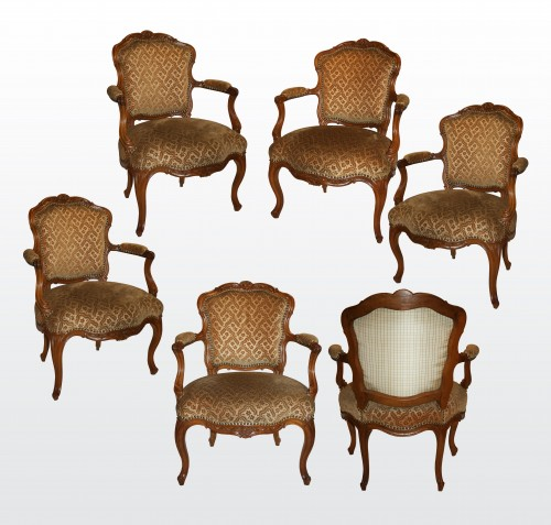 "A set of six Louis XV Fauteuils ""en Cabriolet"" by Nogaret à Lyon - Louis XV"