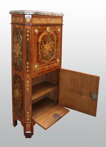 18th century - Fine secretaire à abattant by Pierre Pioniez