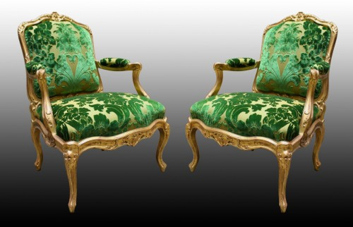 A pair of Louis XV Fauteuils à Châssis attributed to Louis Cresson - Louis XV