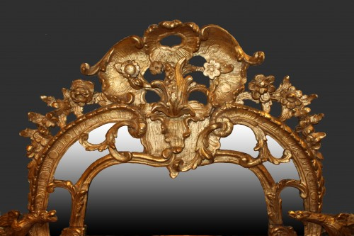 Mirrors, Trumeau  - A Regence giltwood Mirror 'aux Dragons'