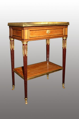 A Louis XVI  Table à Ecrire Attributed to Claude-Charles Saunier - Furniture Style Louis XVI