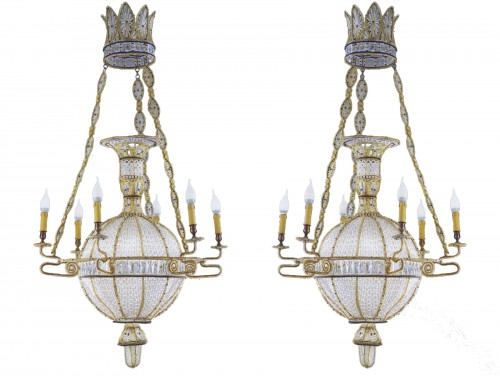 "Exceptional pair of  ""à la Montgolfière"" Chandeliers"