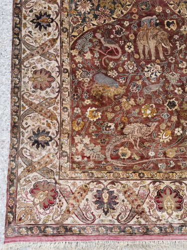 Kum Kapu Silk carpet Atelier Tossounian - Turkeyflag - Tapestry & Carpet Style