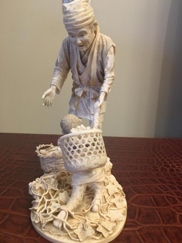 Asian Art & Antiques  - Large Group In Ivory, Japan Meiji