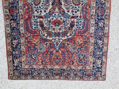 - Isfahan Silky Kork Wool, Iran late 19th century