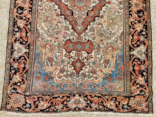 - Ferahan Wool Kork Silky Rug - Iran Late 19th