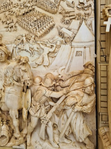 Antiquités - Exceptional and Important Ivory Panel - The Siege of Breda (1624) - France early 19th century