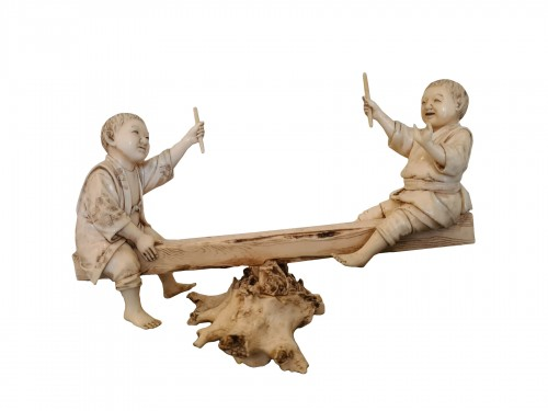 Okimono Ivory - Two Children On A Swing - Japan 19th