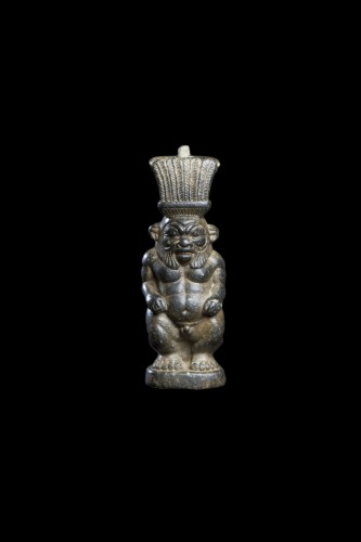 Antiquités - Serpentine sculpture depicting Bes, Egyptian