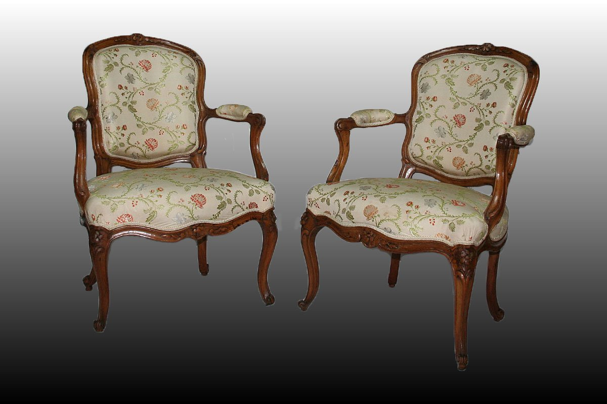 paire de fauteuils cabriolet d 39 poque louis xv estampill s. Black Bedroom Furniture Sets. Home Design Ideas