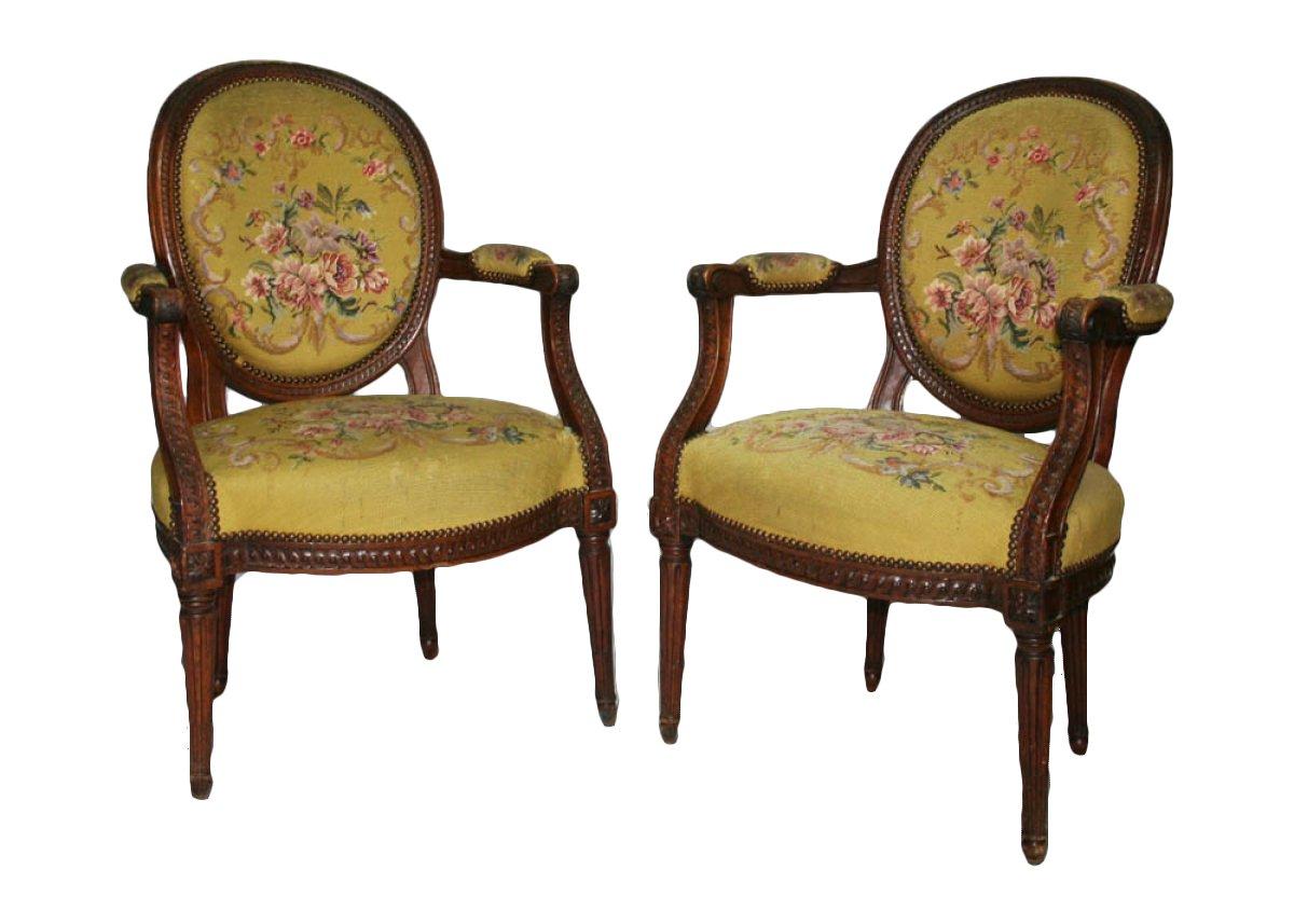 paire de fauteuils d poque louis xvi xviiie si cle n. Black Bedroom Furniture Sets. Home Design Ideas