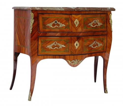 Commode « sauteuse » d'époque Louis XV  estampillée J HOLTHAUSEN