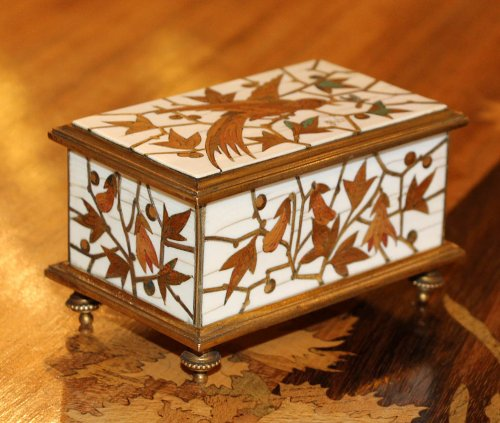 "Small ""stamp box"" - Ferdinand DUVINAGE (1813-1874)  -"
