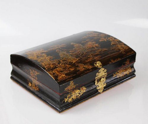 Louis XV Lacquered wood Wig box -