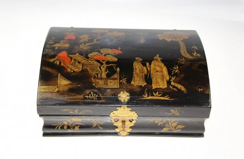 Decorative Objects  - Wooden wig box in oriental style,