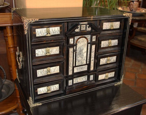 Furniture  - 17th Century Cabinet