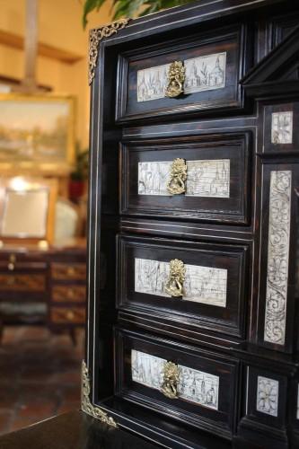 17th century - 17th Century Cabinet