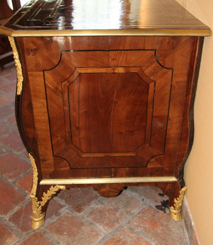 Mazarine Commode by Thomas HACHE (1664-1747) - Furniture Style French Regence