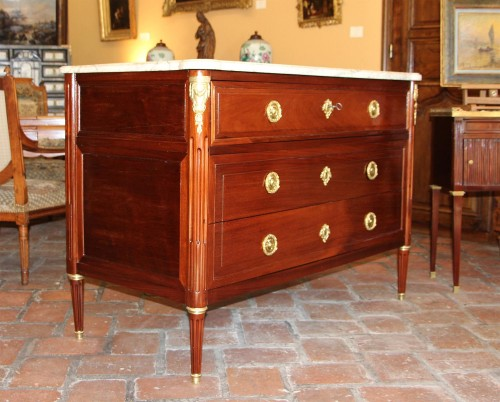 Commode Louis XVI mahogany  Stamped A.GAILLARD - Furniture Style Louis XVI