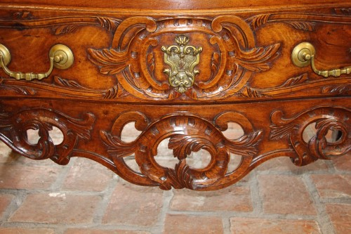 18th century - Nîmes chest of drawers 18th century