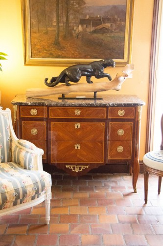 Furniture  - chest of drawers, 18th