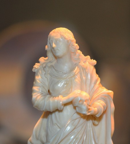 A late 18th early 19th century Dieppe ivory sculpture - Religious Antiques Style