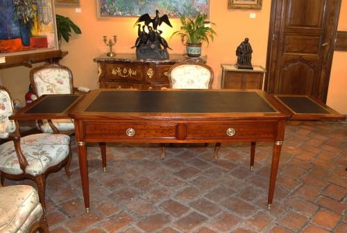 Louis XVI period desk in mahogany, - Furniture Style Louis XVI