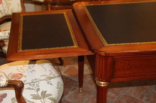 18th century - Louis XVI period desk in mahogany,