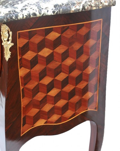 """Louis XV period """"sauteuse"""" chest of drawers -"""