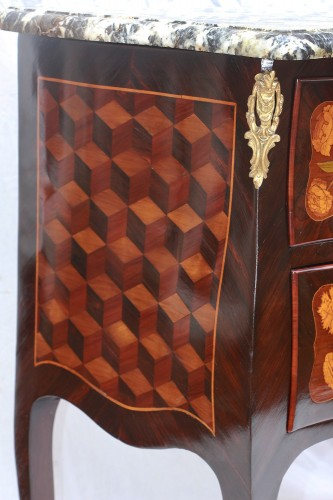 """Louis XV period """"sauteuse"""" chest of drawers - Louis XV"""