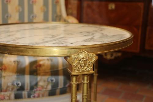 Furniture  - Circular neoclassical style pedestal table in bronze