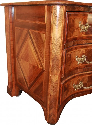 """Louis XIV period """"Dauphinoise"""" chest of drawers,  - Furniture Style Louis XIV"""