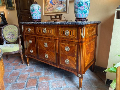 Furniture  - Louis XVI period chest , Stamped  by Jean-Baptiste Courte