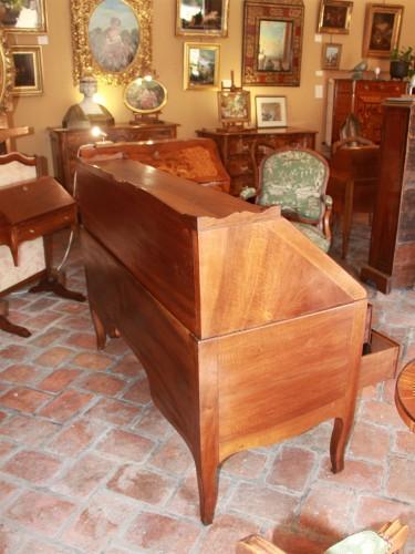 """18th century - Large sloping desk called """"donkey's back"""""""