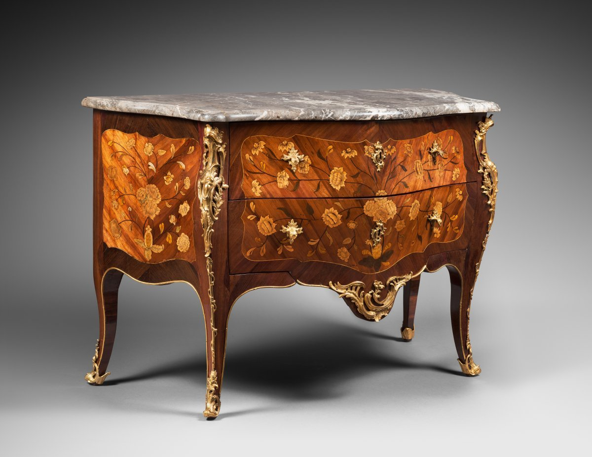 Commode furniture - Curved Commode Decorated With A Floral Marquetry Furniture Style Louis Xv