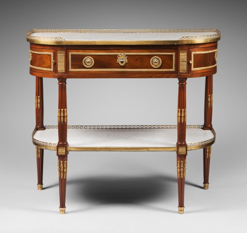 18th century - Half-Moon Mahogany Console Table