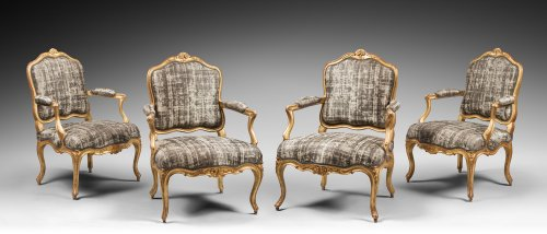 """Set of Four Gilded Wood """"à la Reine"""" Armchairs - Seating Style Louis XV"""