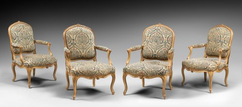 "Set of Four Gilded Wood ""à la Reine"" Armchairs - Seating Style Louis XV"