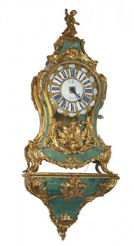Wall Clock in Green Horn Veneer
