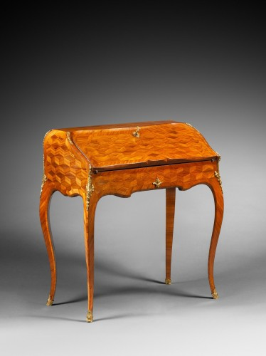 Satinwood and Rosewood Slant-Top Desk - Furniture Style Louis XV